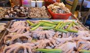 Cả trăm món ăn đặc sản tụ hội ở lễ hội Tết Việt