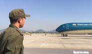 Vietnam Airlines nói gì về việc tiếp viên bị kiểm tra vì nghi buôn lậu?