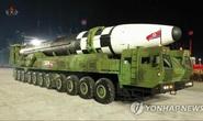 Triều Tiên trình làng hàng khủng mới trong lễ duyệt binh tờ mờ sáng