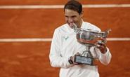 Novak Djokovic: Rafael Nadal xứng đáng là vua sân đất nện!