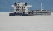 Tàu chở than và dầu mắc cạn ở biển Nam Ô
