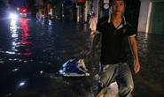 Vùng rốn lũ TP Huế, người dân di chuyển chủ yếu bằng thuyền, bè