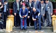 Thủ tướng Nhật Bản thăm Nhà sàn, Ao cá Bác Hồ