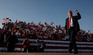 Đua với ông Joe Biden, Tổng thống Donald Trump chạy nước rút