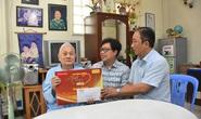 Mai Vàng nhân ái thăm nghệ sĩ Hề Sa, nhà văn Minh Khoa