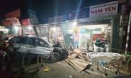 Hiện trường kinh hoàng vụ tai nạn ô tô lao vào 4 nhà dân làm 3 người chết, 3 người bị thương ở Quảng Ngãi