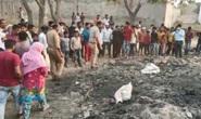 Phát hiện thi thể nữ giới Ấn Độ không đầu bị chó hoang kéo lê ở bãi rác