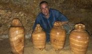 Mộ cổ 2.500 tuổi dưới giếng: cả một gia đình nằm giữa kho báu