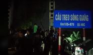 Vụ ôtô tông xe máy lao xuống sông: Xác định danh tính 5 người tử vong