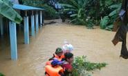 Quảng Trị đề nghị dùng trực thăng cứu 12 người gặp nạn trên biển