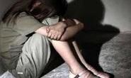 Hiếp dâm con riêng 14 tuổi của vợ hờ đến có thai