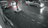 Truy tìm xe Toyota Innova tông cụ bà tử vong trên vỉa hè