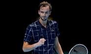 Daniil Medvedev dễ dàng đè bẹp Hoàng tử quần vợt Đức