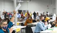 Bầu cử Mỹ: Bang Georgia liên tục phát hiện kiểm sót phiếu bầu