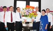 Bí thư Thành ủy TP HCM thăm gia đình cố Giáo sư Nguyễn Thiện Thành