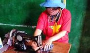 Nữ sĩ quan may hơn 500 khẩu trang tặng đồng nghiệp mũ nồi xanh và người dân Trung Phi