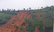 Quảng Trị: Vết nứt khủng xuất hiện trên đồi, người dân xã Húc rùng mình khi qua lại