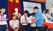 Học bổng Báo Người Lao Động đến với học sinh nghèo, học giỏi Bến Tre