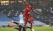 Man City mất điểm trận đại chiến, Liverpool văng ngôi đầu Ngoại hạng Anh