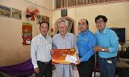 Mai Vàng nhân ái thăm hai nhạc sĩ Duy Khanh và Văn Dần