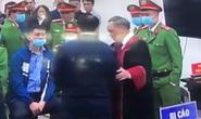 Chủ tọa phiên tòa lý giải việc bắt tay bị cáo Nguyễn Đức Chung sau khi kết thúc phiên xử