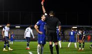 Lão tướng Chelsea phá giải U23 Ngoại hạng, nhận thẻ đỏ đích đáng