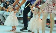 Vỡ òa với những bước đi đầu tiên của hai bé Trúc Nhi - Diệu Nhi