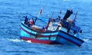 Nhiều tàu cá Bình Định gặp nạn, 2 ngư dân mất tích