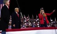 """Newsmax và Fox News đính chính thông tin về """"gian lận bầu cử Mỹ"""""""