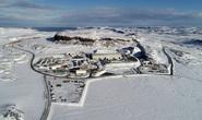 Sập cửa mỏ vàng, Canada ngáng đường tham vọng của Trung Quốc