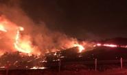 Cháy lớn vây chặt căn cứ thủy quân lục chiến Mỹ dịp Giáng sinh
