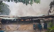 Cháy dữ dội ở quận 9, TP HCM