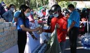 Quảng Nam: Công nhân khó khăn ấm lòng với gian hàng Tết sẻ chia