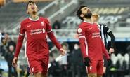 Tottenham bị hủy trận, Liverpool rơi điểm khó ngờ trước Newcastle