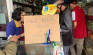 Lo ngại virus Corona, người dân lùng mua khiến khẩu trang y tế cháy hàng