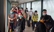 Các sân bay cũng đang khan hiếm khẩu trang y tế, nước rửa tay...