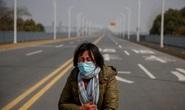 Trung Quốc: Người mẹ nức nở xin ra khỏi vùng phong tỏa để cứu con bị ung thư