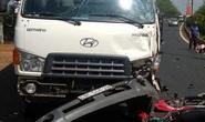 Tông xe tải, 2 người trên xe máy thương vong
