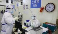Covid-19: Trung Quốc đáp trả, nghi Mỹ đưa virus vào Vũ Hán