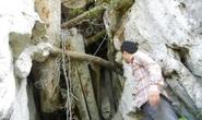 Khám phá hang quan tài kỳ bí treo lưng chừng núi