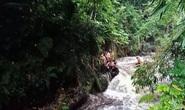 Đi cắm trại ven sông, hơn 250 học sinh bị lũ quét cuốn trôi