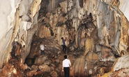 Băng rừng khám phá hang Dơi, động Nước