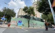Tháo dỡ chung cư cũ sắp sập ở trung tâm TP HCM