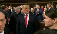 Sắp thoát luận tội, Tổng thống Trump trở lại mạnh mẽ