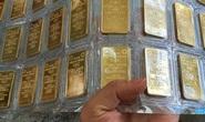 Giá vàng tiếp tục tăng, USD ngân hàng quay đầu giảm
