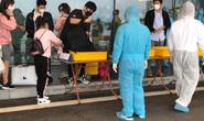 Hơn 400 người từ Hàn Quốc vừa xuống sân bay Vân Đồn được cách ly tại Quảng Ninh
