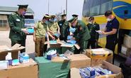 Xe khách vận chuyển gần 30.000 khẩu trang y tế, 98 bộ đồ bảo hộ y tế ra nước ngoài