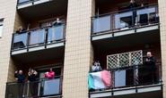 Covid-19 ở Ý: Thêm 175 ca tử vong, người dân hát từ ban-công nhà