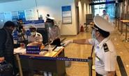 Tạm dừng cấp thị thực cho người nước ngoài trong 30 ngày