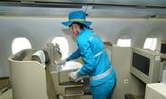 CLIP: Xem cảnh khử trùng toàn bộ máy bay để phòng chống dịch Covid-19